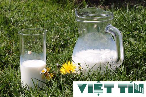 Sản phẩm sữa nhập khẩu được công bố bởi Luật Việt Tín