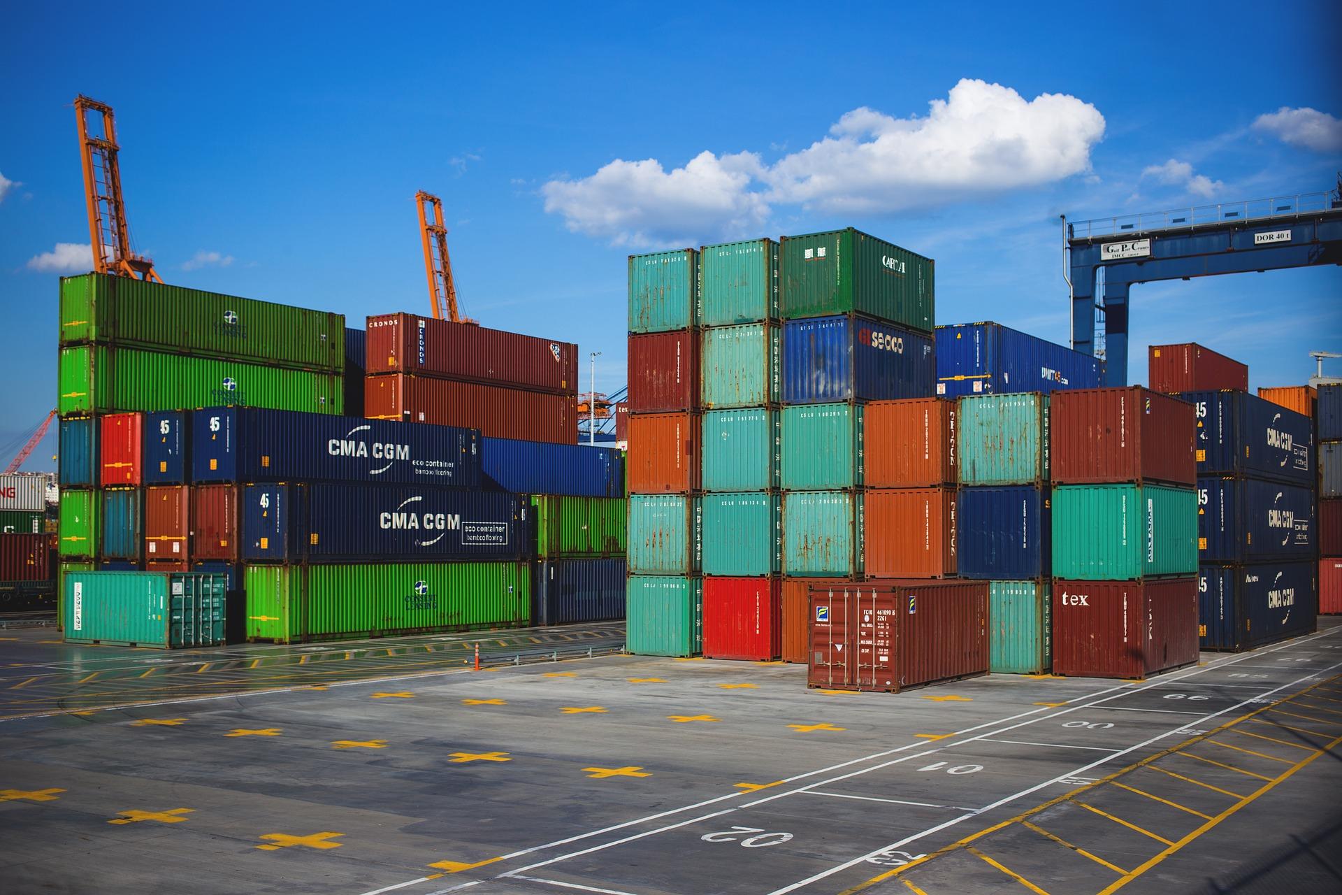 Các sản phẩm công ty bạn nhập khẩu từ nước ngoài đều phải thực hiện công bố thì mới được phép lưu hành tự do trên thị trường Việt Nam.