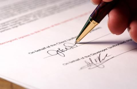 Việc ký hợp đồng ảnh hưởng ra sao khi đổi tên công ty?