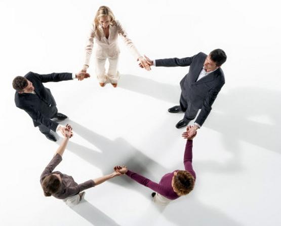 Đăng ký thành lập doanh nghiệp được tiến hành theo thủ tục nào?