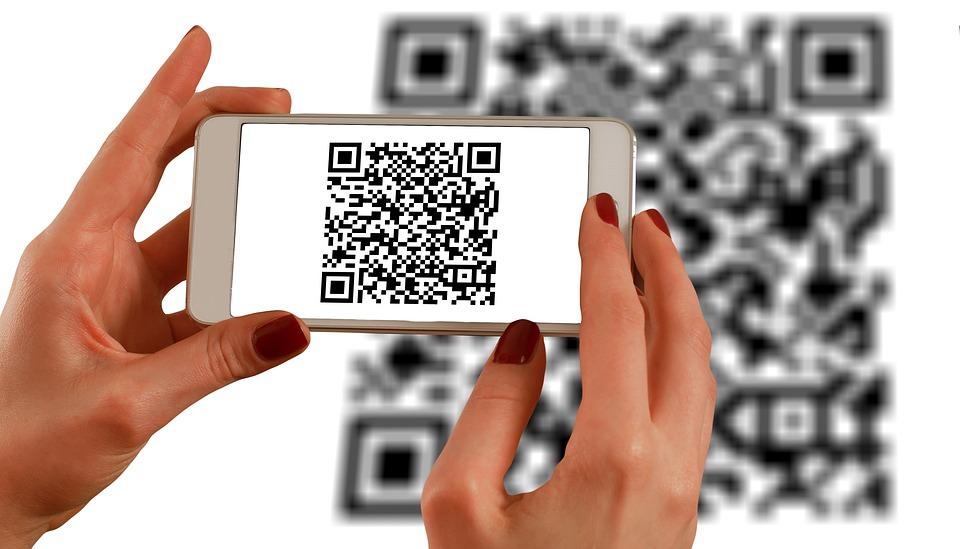Tra mã QR bằng Smart phone không còn xa lạ đối với người tiêu dùng