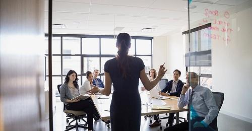 Hình ảnh giám đốc kinh doanh là gì ?