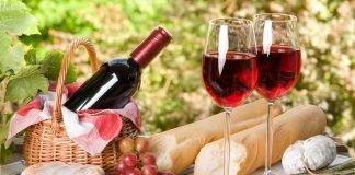 Thủ tục nhập khẩu rượu vang về Việt Nam