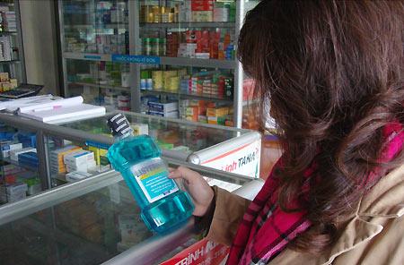 Dễ dàng mua được các sản phẩm súc họng, súc miệng ngoài thị trường
